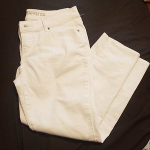 Mossimo Crop Jean Size 9